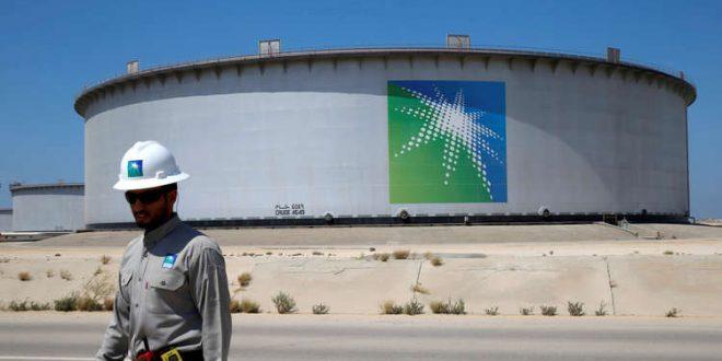 النفط يصعد مع تراجع إنتاج السعودية