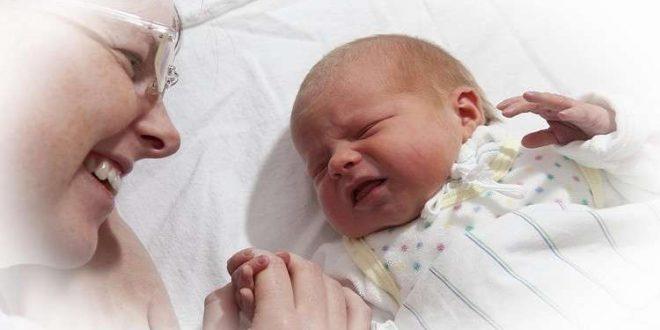 ولادة مفاجئة وسريعة في متجر! (فيديو)