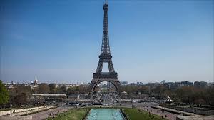 إلين هيميلفار تروي تجربتها في السفر إلى ضواحي باريس