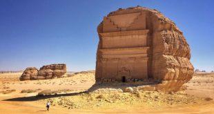 """""""حافة العالم"""" الأكثر شهرة بين المواقع السياحية في المملكة السعودية"""