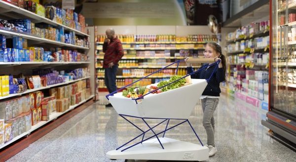 عربات التسوق ذات المكابح التلقائية تخلّص أولياء الأمور من أرق مراقبة أطفالهم أثناء التسوق