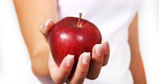 """""""تفاحة"""" تتسبب فى دخول رضيعة غيبوبة وتغريم أسرة 261 ألف دولار.."""