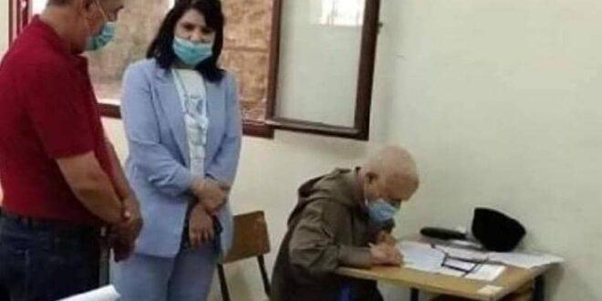 في 79 عاما.. مسن مغربي يجتاز امتحان البكالوريا رغم كورونا