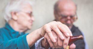 العمل البدنى الشاق يزيد خطر الإصابة بالخرف بنسبة 55%