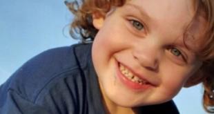 طفل يقتل نفسه عن طريق الخطأ باستخدام مسدس والده