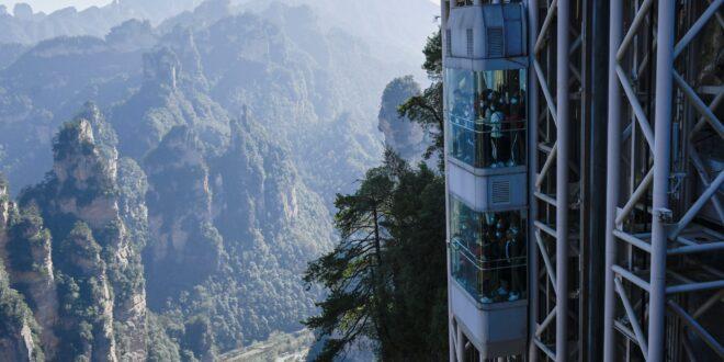أعلى مصعد خارجى فى العالم يطل على مشاهد فيلم 'أفاتار'