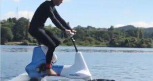تصل سرعتها لـ12 كم فى الساعة ..دراجة هوائية للتنقل على سطح المياه
