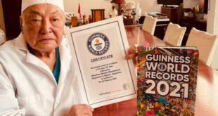 جراح يسجل اسمه فى جينيس بأكثر من 15 ألف عملية جراحية على مدار 67 عاما