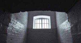 بلا رحمة.. عائلة تحبس ابنتها المريضة في 'زنزانة' 5 سنوات