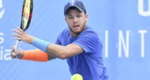 تغريم لاعب تنس أمريكي لعدم ارتدائه كمامة رغم فوزه التاريخى فى بطولة للمحترفين