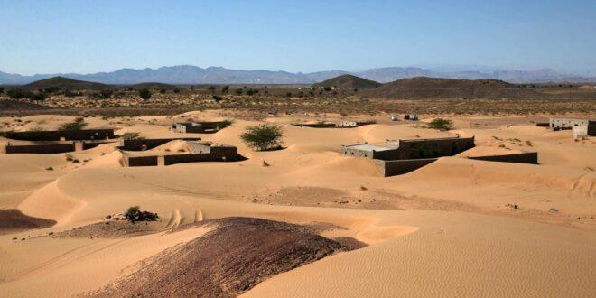 قصة قرية عمانية غمرتها الرمال قبل 30 عامًا وهروب قاطنيها