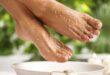 وصفات طبيعية لترطيب القدمين وعلاج تشقق الكعبين بسهولة