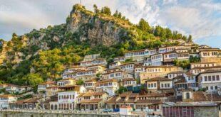 """جزيرة """"فوليجاندروس"""" أحد كنوز بحر إيجة في اليونان"""