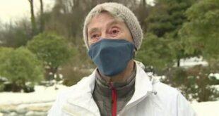 عجوز أمريكية عمرها 90 عاما تسير 10 كيلومتر ات على الثلج لتتلقي لقاح كورونا