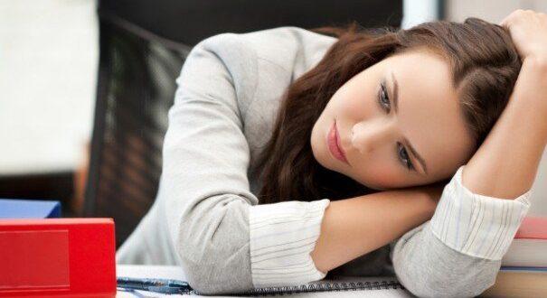 علاج الخمول والإرهاق بطرق بسيطة ومنها النوم الجيد والرياضة