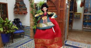 يعيشان مع الدمى.. مغربي وزوجته الفرنسية يرعيان متحفا فريدا