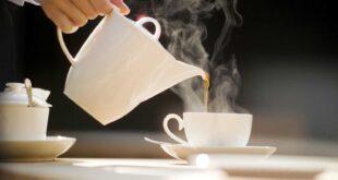 لمحبي الشاي.. دراسة تكشف مخاطر تناوله ساخنًا