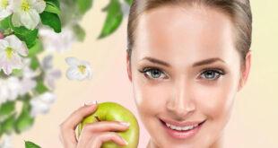 وصفات طبيعية للعناية بالبشرة بالتفاح.. تعالج حب الشباب وتوحد لون الوجه