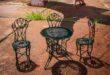 ألمانية تشترى طاولة وكراسى لحديقتها وتتفاجأ بـ'لعبة'