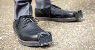 حذاء ذكى لمساعدة المكفوفين فى تجاوز العقبات.. سعره 3850 دولارًا