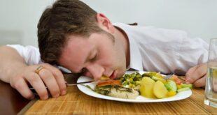 سبب النعاس بعد الإفطار في رمضان.. إليك 7 عوامل من بينها الأطعمة