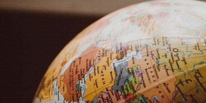 10 دول غيرت أسماءها لأسباب غريبة