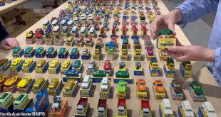 بريطانى يبيع مجموعة سيارات 'لعبة' جمعها فى 30 عاما بمزاد بمبلغ ضخم