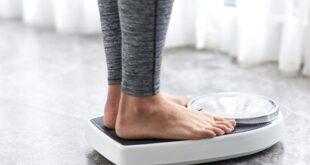 تحاول إنقاص وزنك باتباع أشهر الحميات الغذائية والتمارين لكنك لا تحصل على نتائج؟ إليك السبب