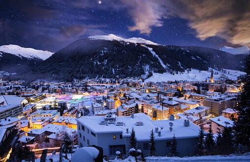 سويسري مُحب للمشي يغالب مرض الشلل الرعاش.. قطع 1100 كم في جبال الألب ويستعد لتحدٍّ جديد