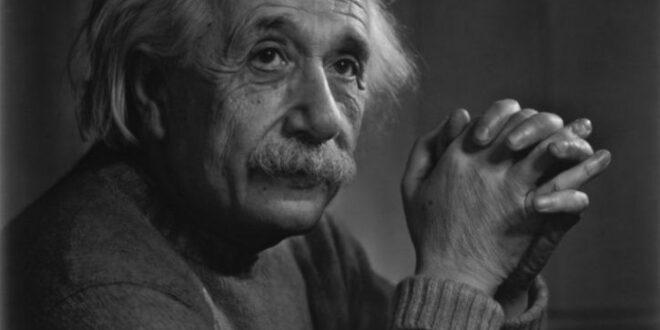 """أثمن مخطوطة لأينشتاين تُعرض للبيع في مزاد علني.. تضم حسابات حول نظرية النسبية، وتوقعات بمبلغ """"مذهل"""""""