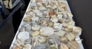 طاهٍ فرنسى يدخل موسوعة جينيس بعد صناعة بيتزا بـ834 نوعا مختلفا من الجبن