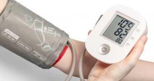 الاستحمام بالماء الساخن يساعد فى علاج ارتفاع ضغط الدم.