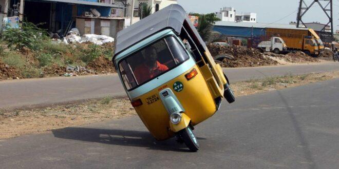 سائق 'توك توك' هندى يدخل موسوعة جينيس لأطول قيادة على عجلتين