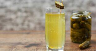 يساعد على فقدان الوزن وينظّم سكر الدم، 6 فوائد مدهشة لشرب ماء المخلل
